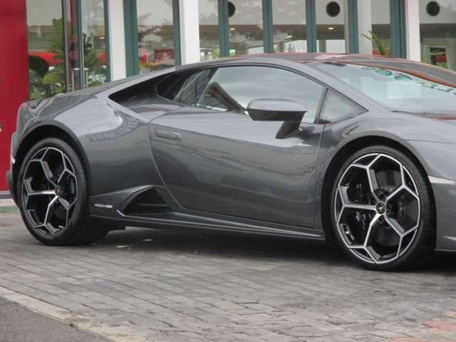 Aesir20インチホイール(ダイヤモンドカット) フロント:8.5J×20+245/30R20タイヤ リア:11J×20+305/30R20タイヤ