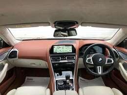 お洒落なメリノレザーの室内の運転席と助手席になります☆運転席・助手席に座った時をイメージしてみてください。そして是非座りにご来店下さいませ♪阪神BMW西宮店【0066-9711-214736】