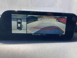【360°ビューカメラ】上から見下ろしたように駐車が可能です。安心して縦列駐車も可能です。