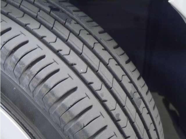 「タイヤ溝」 タイヤの溝は3~4分山です!新品タイヤ交換も承ります!ご相談ください!