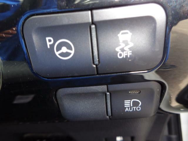 シンプルインテリジェントパーキングアシスト、S-VSC、オートマチックハイビーム等の各種スイッチ類です