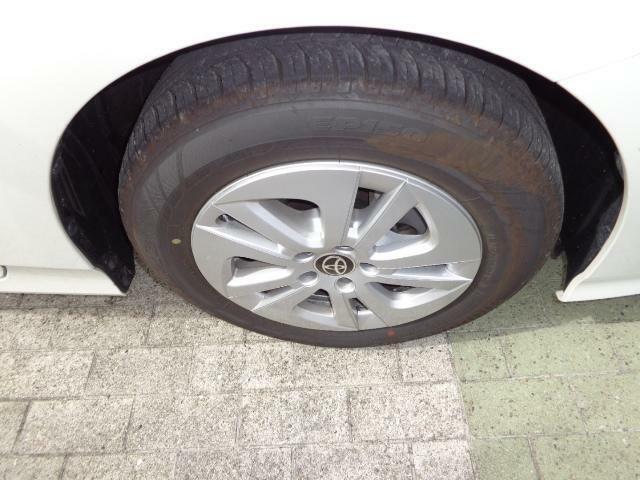 195/65R15タイヤ &15×6 1/2J アルミホイール(ホイールキャップ付)です☆