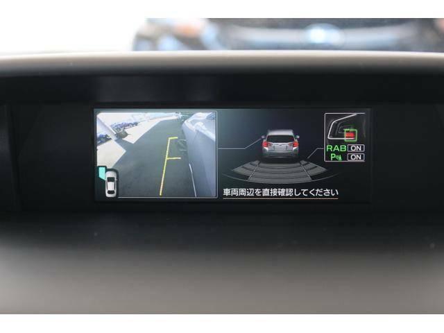 左前をカメラ、バックはセンサーでもお客様の運転をサポートします