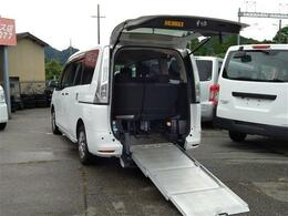 日産 セレナ 2.0 20S 送迎パック チェアキャブ スロープタイプ 車いす1名 サード仕様