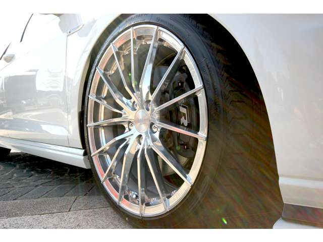 タイヤももちろん新品です。