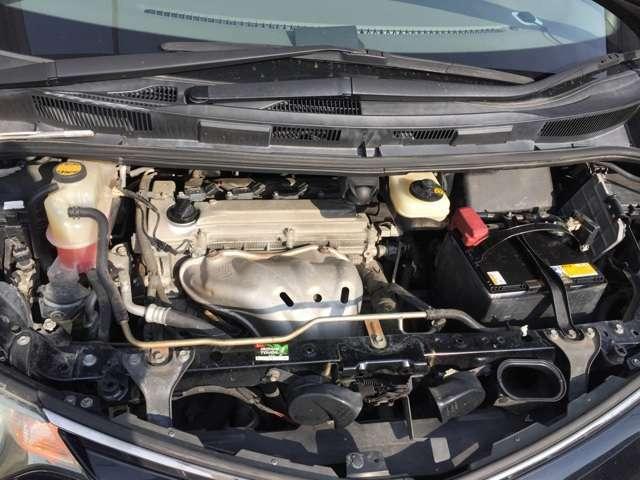 エンジン回りも徹底的に清掃致します!この輝きをご覧下さい!!エンジンルームの状態で錆びの程度が解かりますで必見です!!このお車はタイミングチェーン式で10万キロの定期交換不要です!!
