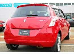 SDナビ、BT、USB、ETC、シートヒーター、低燃費車で希少な4WD!