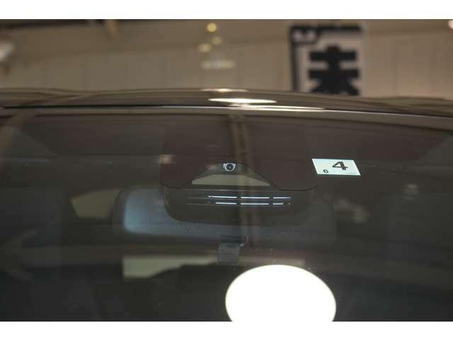 最近ミラー型ドライブレコーダーも流行っています★