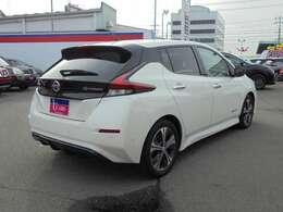 電気自動車ならではの、スムーズで静粛性の高い加速をお楽しみ下さい!一度味わうと、ガソリン車には戻れないかも!?
