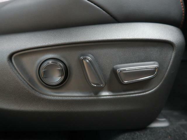 【電動パワーシート】最適なシートポジションを提供し、疲れにくくより快適にお乗りいただけます。