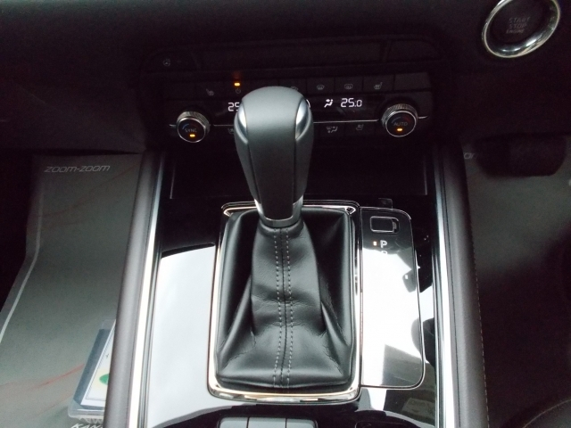 ドライバーの操作意図を読み取りシフトする6速ATトランスミッション!変速制御をすることにより、なめらかな加速を実現!