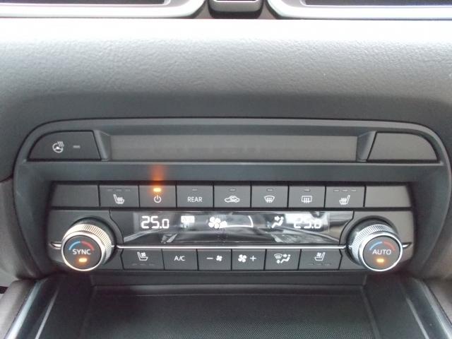 シートヒーターにハンドルヒーターを装備☆シートの熱気も取るシートベンチレーションも装備☆快適ドライブをサポート致します☆