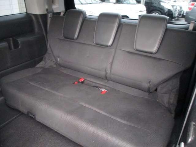 サードシート  使用感少なく綺麗です