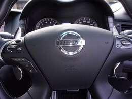 運転中でも安心ステアリングスイッチ(オーディオ、ナビハンズフリーフォン、オートスピードコントロール装置)操作が出来ます!