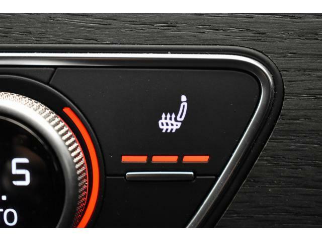 ●シートヒーター『冬場には欠かせない装備!3段階の温度調整が可能で快適にご使用頂けます。ぜひご体感下さい。』