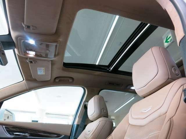 ウルトラビューパノラマサンルーフなどを搭載。またドライビングシーンに合わせて最適なドライブモードを選択できるようになっております。