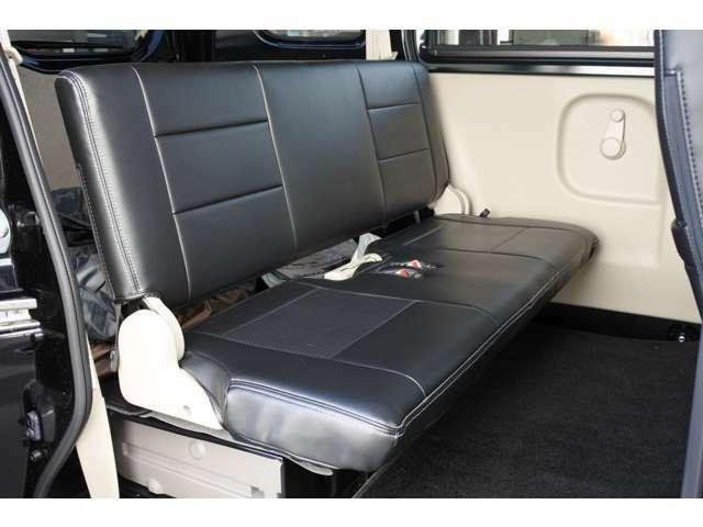 ☆後部座席は収納すればフラットになります(^^)