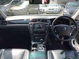 落ち着いたデザインの内装でドライブも快適です!