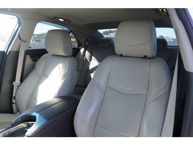 運転席、助手席ともに、座り心地がとても良いです!長距離の運転も安心して乗車いただけます!