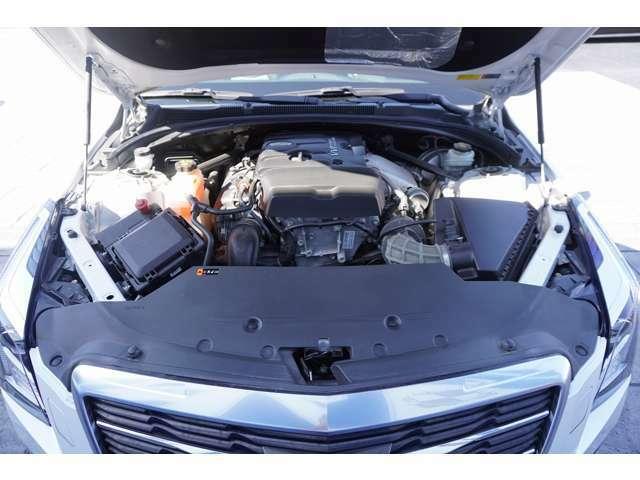 エンジンは2.0リッター 直列4気筒DOHC ターボ 日本限定10台のお車を是非一度ご覧ください!