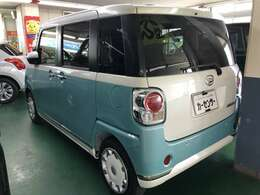 車両の品質管理は室内展示場を完備しておりますので、品質を保った状態の車両をご覧いただけます。