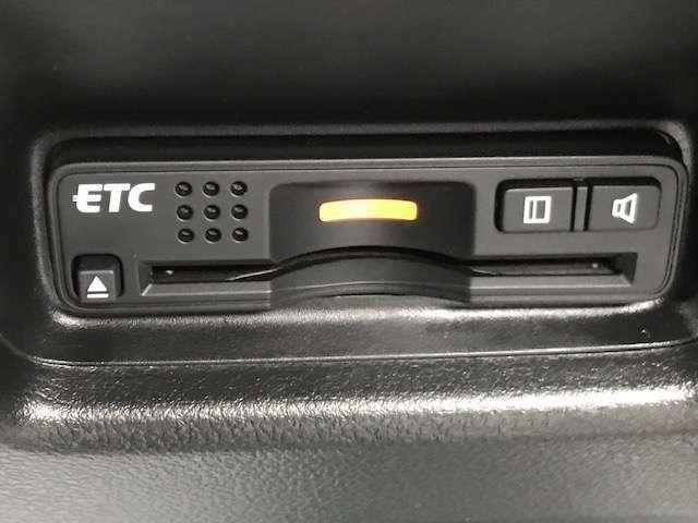 ETC付いております。当店にてセットアップをさせて頂きますのでご自身のETCカードがあればご納車日からすぐに使用することが可能です。
