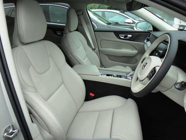 運転席、助手席はベンチレーションおよびマッサージ機能付きです。