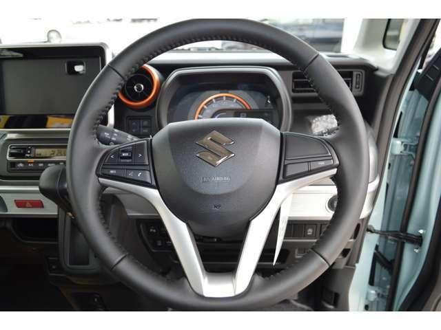 先進安全車プラスASV+を獲得した、光の合図で後続車に急ブレーキを知らせる(エマージェンシーストップシグナル)&ペダルの操作ミスによる衝突回避に貢献する(御発進抑制機能)が装備です