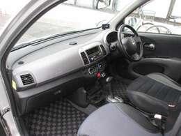 スポーティーなブラック内装☆運転席SR用シ-ト他席ハ-フレザ-/AUX&USB付CDチュ-ナ-/ETC/インテリジェントキ-/
