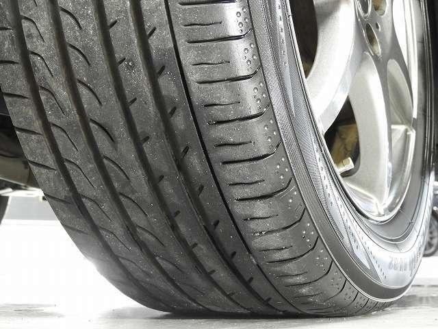 タイヤ残溝