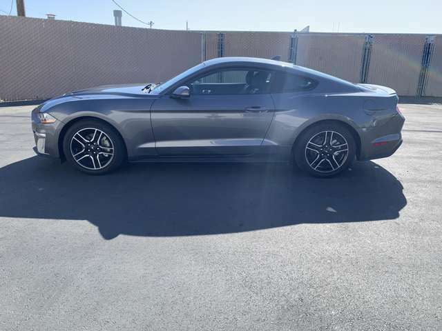 自社直輸入BUBU CALIFORNIA DIRECT!BCD車をメインに取り扱いをしております。展示車両以外でもお気軽にアメリカ車につきましてご相談下さい!