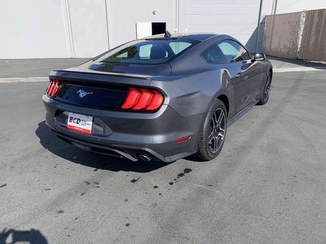 2021年モデルより採用されたNEWカラー Carbonized Gray Metallic!