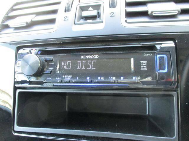 CDオーディオ付です。楽しいドライブの必需品ですね!