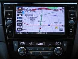 日産オリジナルナビゲーションはタッチパネルで操作も簡単、バックする時にはカメラの映像をモニターに映し出し障害物なども確認しながら安全に駐車できます。