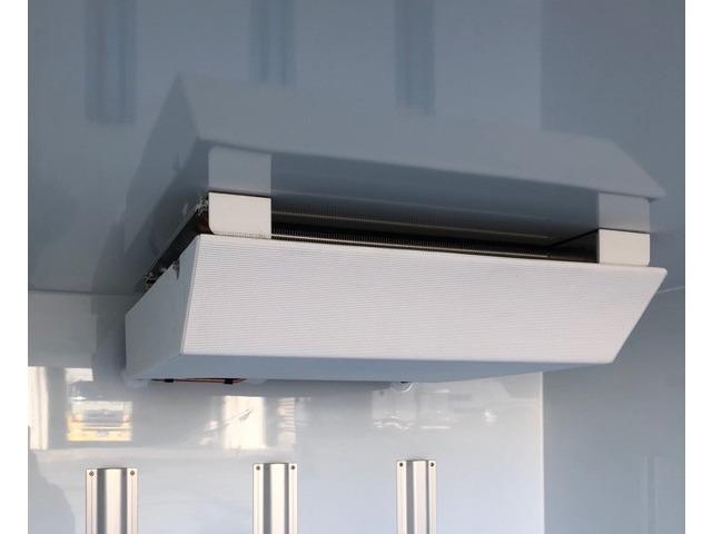 エバポレーターが薄型で庫内が広く使えます コンデンサーはルーフトップ式でルーフトップ式で空気取り入れ効率をUPしてます