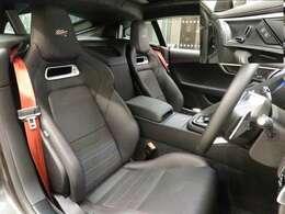6ウェイパワーフロントシート(シートヒーター&ベンチレーション)(210,000円)「電動調整シートを装備。またシートヒーターにベンチレーションも付いている快適なシートを装備しております。」
