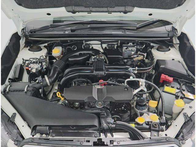 新世代BOXER!FB型水平対向DOHCエンジン搭載!走りと環境性能を高次元でバランス!ガソリンはレギュラー仕様!アイドリングストップ!