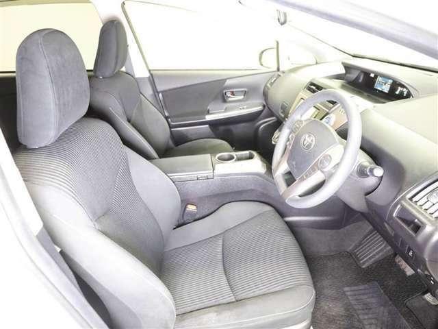 まるごとクリーニングでは前席外してシート下まで徹底洗浄。消臭&除菌効果あり、更に清潔感がUP!