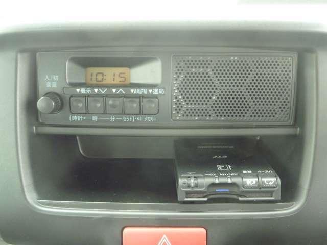 純正ラジオ付。ナビ取付等遠慮なくご相談ください。