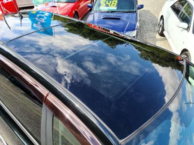 おっきなガラスルーフ採用してますッッ!!  車内からの画像は・・・後ほど~~~♪