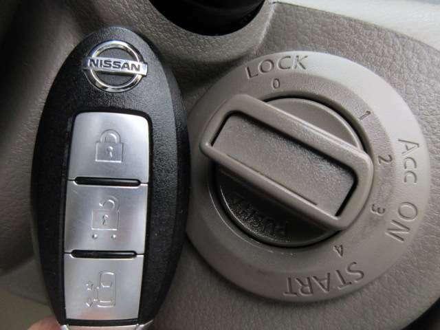 Bプラン画像:スマートキーが装備されておりますのでカバンやポケットの中など持っていればドアのロックやアンロック、エンジンスタートなどが可能です♪
