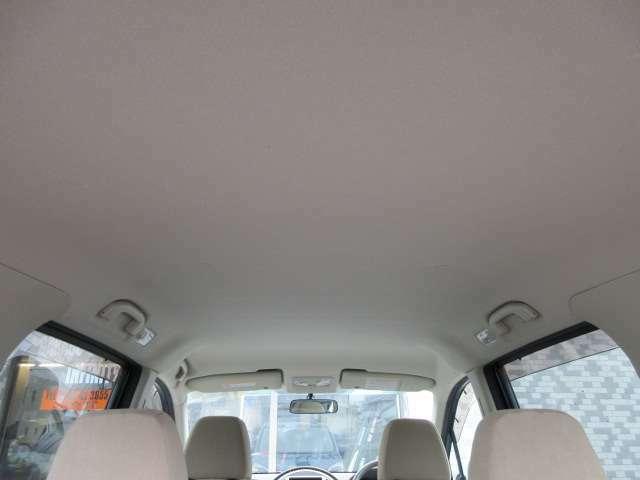 Bプラン画像:天張りには目立つ汚れやイヤな臭いなどもありません♪キレイで清潔感のある車内になっております♪