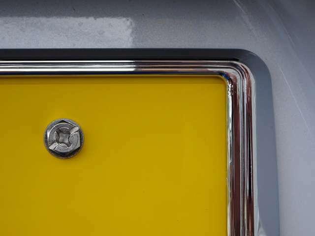 Bプラン画像:メッキナンバーフレームはブラックメッキ、ホワイトメッキよりお選びいただけます