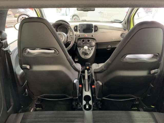 新車から、大切にされており、定期的にディーラーにてメンテナンス済のお車ですから、ご安心してお乗り頂けます。