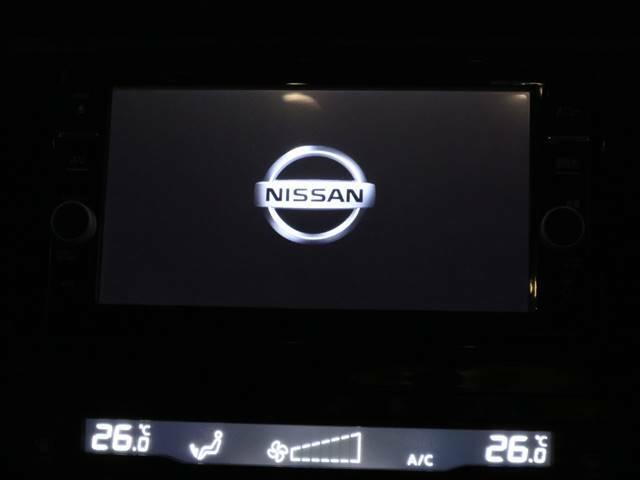 純正フルセグSDナビ搭載しています。DVD再生、Bluetoothなど充実の装備です。