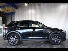ドライビングポジションサポートパッケージ(Pシート・シートヒーター・ステアリングヒーター)・クリアランスソナー・ドラレコ・純正19インチAW・プッシュスタート付です。