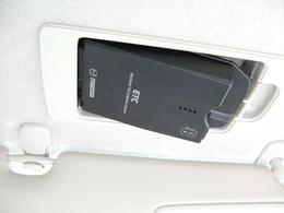 純正オプションスマートインETC搭載♪運転席サンバイザー内側に車載機を設置する為、車載機・ETCカードの盗難を防ぎます。再セットアップ(別途2,750円)し納車後即ご利用頂けます。
