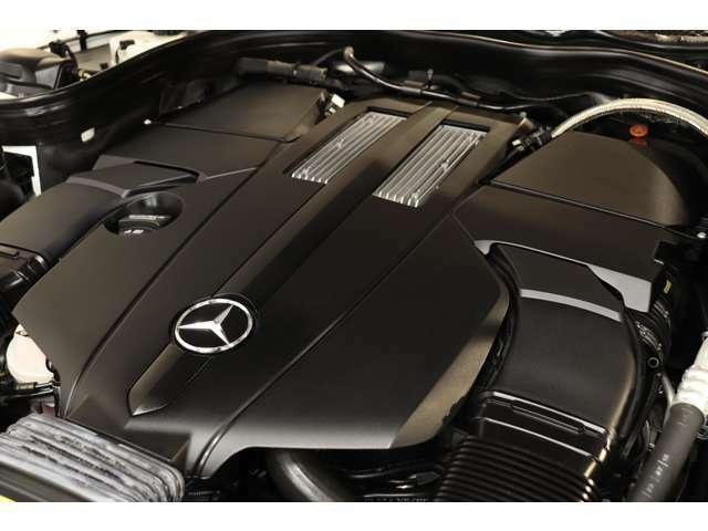 3,500cc V型6気筒DOHCツインターボエンジンを装備!カタログ値333psを発生し力強い走りを実現!7GトロニックPLUSによるスムーズな加速も魅力的です!