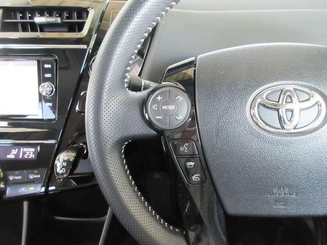 ハンドルから手を外さずにエアコンやオーディオの操作ができます。安全運転にも寄与します。 便利な機能ですね・・・。