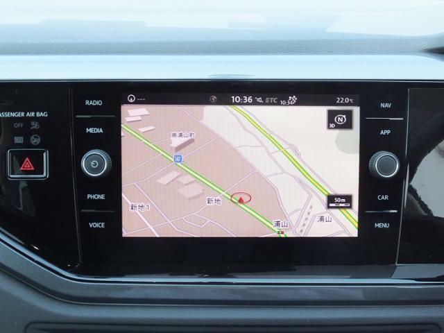 純正ナビゲーションを装備しております。Bluetoothをはじめ各種メディアに対応しております。またApple Car Playやandoroid autoにも対応しております。